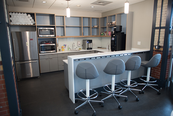 Maker wing kitchen